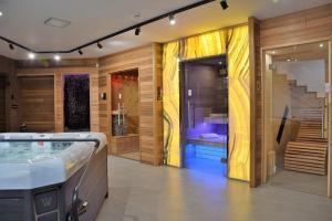 szklane drzwi sauny